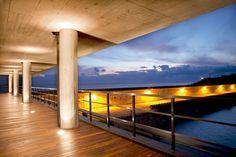 Premio Leaf Awards 2011 al mejor edificio público, junto con el Museo del Surf de Steven Holl.