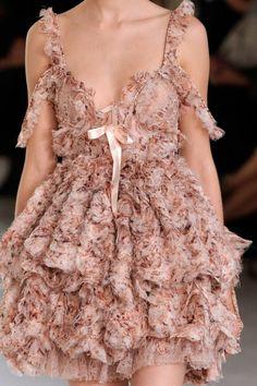 Enjoy Fashion - Alexander McQueen
