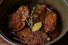 Deze manier van draadjesvlees maken heb jij nog nooit gezien, ZO lekker! Dutch Recipes, Meat Recipes, Wine Recipes, Slow Cooker Recipes, Crockpot Recipes, Cooking Recipes, Healthy Recipes, Typical Dutch Food, Good Food