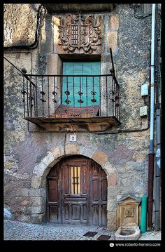 Sepúlveda. Segovia. Spain - OHHHHH!! HOW INCREDIBLY INTERESTING AND BEAUTIFUL  IS THIS HOUSE! - (I can imagine living there, as it is so very charming and has a 'welcoming' feel!)