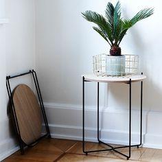 Coffee table, foldable with metal frame and oak veneer top. D 29 cm H 47 cm DKK 128,00 / SEK 168,00 / NOK 164,00 / EUR 16,94 / ISK 3656 #newcollection #artdeco #coffeetable #sofabord #sidebord #sidetable #oak #eg #metal #Sostrenegrene #Søstrenegrene