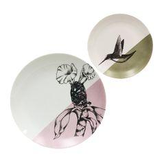 Duo de Porcelanas - Duo de pratos de refeição e sobremesa, desenhados artesanalmente. Cada ilustração representa espécies da Mata Atlântica brasileira, uma bromélia e um beija-flor.