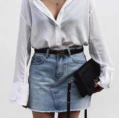 New obsession with baggy sleeves and cool cuffs on shirts ~ this amazing one is from @arisology #arisclothing. Denim from @glassons #glassons