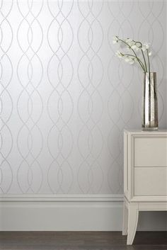 Fancy adding a feature wall into your home without being TO bold? With a hint of metallic, our Beaded Wave wallpaper will look super glam. New Living Room, Interior Design Living Room, Living Room Decor, Bedroom Decor, Hallway Wallpaper, Silver Wallpaper, Interior Wallpaper, Feature Wall Bedroom, Hallway Decorating