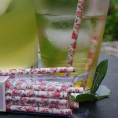 Super floral straws perfect for vintage style parties and summer weddingsThe pink floral straws are just so pretty. They jolly up any cocktail, cool drink or milkshake and would be the perfect finishing touch for any summer party or wedding. the vintage style pink flowers are unusual and different from the usual plain or striped variety. With 25 in a pack there are enough to use for many an occasion and would make a fun hostess gift.paper20cm long, 25 per pack