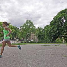 """Skate to Run – Inline skating makes you a better runner"" Berlin Marathon, Inline Skating, Sport Inspiration, How To Run Faster, Cross Training, Perfect Body, Skate, Running, Fitness"