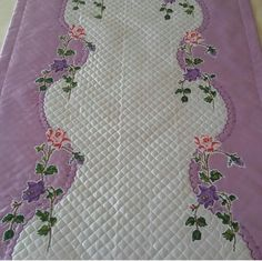 Patchwork Quilting, Quilts, Stitch Crochet, Color Lila, Booties Crochet, Cross Stitch Designs, Needlepoint, Bargello, Diy And Crafts