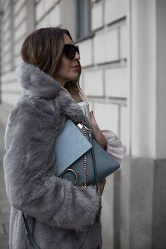 date outfit first Fur Fashion, Grey Fashion, Fashion 2020, Fashion Outfits, Womens Fashion, Style Fashion, Fake Fur Coat, Grey Faux Fur Coat, Date Outfits