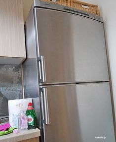 stainless-steal-fridge Clean My House, Pula, Pallet Christmas Tree, Sparkling Clean, Household Chores, Household Cleaners, Tips & Tricks, Green Cleaning, Home Recipes