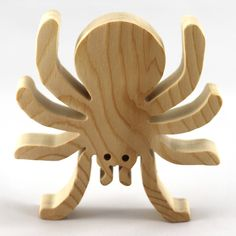 Halloween Rustique, Rustic Halloween, Wooden Animal Toys, Wood Toys, Halloween Spider Decorations, Halloween Ghosts, Wood Spider, Dragons, Handmade Wooden Toys