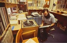 Going to start a series called: Awesome vintage pictures from public radio stations. This is MPR host Michael Barone, in the late 1970s: http://minnesota.publicradio.org/display/web/2008/10/17/michael_barone_pipefest