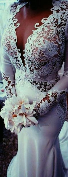 How to Save Big on Your Wedding: A Bride's Guide - Bridal Gowns Dream Wedding Dresses, Bridal Dresses, Wedding Gowns, Lace Weddings, Wedding Shot, Country Weddings, Modest Wedding, Vintage Weddings, Wedding Dj