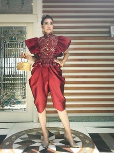 Hijab Fashion, Fashion Dresses, Filipiniana, Thai Dress, Indian Fashion, Womens Fashion, Thai Style, Traditional Outfits, Evening Gowns