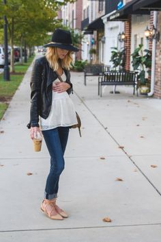 pregnancy outfits casual 853080354405575389 - 32 Pregnancy Outfit Ideas for a Casual But Cute Maternity Style! – 32 Pregnancy Outfit Ideas for a Casual But Cute Maternity Style! – Source by Cute Maternity Style, Fall Maternity, Stylish Maternity, Maternity Fashion, Maternity Styles, Maternity Swimwear, Maternity Dress, Estilo Baby Bump, Pregnancy Looks