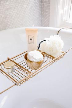 Every so often I like to refresh my master bathroom and the perfect time to do so is spring. Come see how I updated my bathtub in my Spring Bathroom refresh! Black And White Master Bathroom, Bathroom Styling, Bathroom Inspo, Bathroom Ideas, Gold Faucet, Bathtub Tray, Marble Tray, Old Towels, E Design