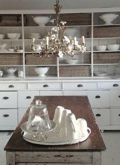 FarmHouse Kitchen Cupboard.