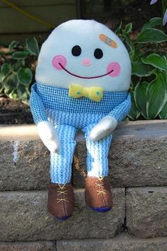 Free pattern: Humpty Dumpty softie with removable limbs