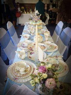 Itsy Bitsy Vintage - Vintage china hire and styling services for the North West