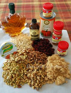 Pumpkin Granola, the flavors of fall in granola! You don't need any oil for this recipe, since the maple syrup, pumpkin and applesauce bind the oats together. #granola #pumpkinrecipe
