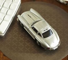 Mercedes Benz 300 SI Wireless Mouse.  Okay that's just cool!