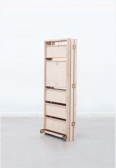 компактный и раскладной шкаф для украшений от Pam Marcisz