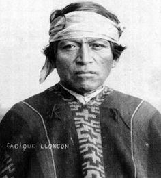 Poncho de un cacique mapuche                         (cacique Lloncon) con diseño mapuche, 1890 apr. Gaucho, World Cultures, South America, Native American, Photo Editing, Africa, Opera, People, David