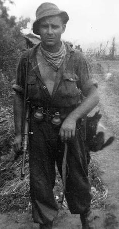 French Commando Marine, Indochina 1950, note the MP-40 submachine german built, pin by Paolo Marzioli