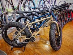 @intergalacticsurlybikes #fatbike fleet at @1jyo_ultimate_factory Osaka Japan. #cycle #cycles #cycling #cyclelife #cycleporn #bikes #bicycles #bikeporn #bikeshops #mtb #mt#fatbiking #surlybikes #surly #1jyoultimatefactory #Osaka #Japan #Japanese by kinkicycle