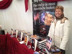 Auteur #pepperkay was aanwezig met al haar boeken op #elfia. #scifi #fantasy