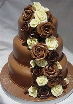 chocolate wedding cake with red roses 1000 images about chocklet on chocolate roses 12813
