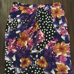 Anthropologists Skirt Size 8 | 100% polyester | zipper pull is broken (easy repair) and missing labels. Other than that, good condition! Anthropologie Skirts