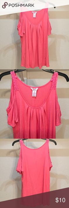 CANDIE'S Pink Cold Shoulder Shirt - Size M candie's pink shirt cold shoulder style Candie's Tops