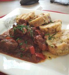 Maďarský guláš - ten môj (fotorecept) Samos, Chicken, Food, Red Peppers, Meal, Essen, Hoods, Meals, Eten