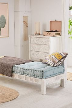 Slide View: Amira Carved Wood Daybed - Daybed in Bedroom / Living Area Casa Kids, Wood Daybed, Wood Sofa, Wooden Couch, Wood Nightstand, Bed Slats, Banquettes, Under Bed, Floor Cushions