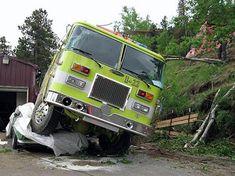 CFN - CALIFORNIA FIRE NEWS - CAL FIRE NEWS : Denver: Evergreen Fire Rescue - Sweet 1969 Pontiac Firebird versus 48,000-pound Water Tender