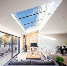 14 Wow-Factor Kitchen Extensions - Build It Open Plan Kitchen Dining Living, Open Plan Kitchen Diner, Living Room Kitchen, Kitchen Family Rooms, Open Plan Living, Garden Room Extensions, House Extensions, Kitchen Extensions, Bungalow Extensions