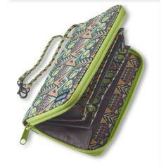 KAVU Women's Clutchable Wallet  Price : $34.95 http://www.islandsurf.com/KAVU-Womens-Clutchable-Wallet/dp/B00DNO09DS