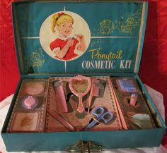 HASBRO: 1960s Ponytail Cosmetic Kit for the Junior Miss