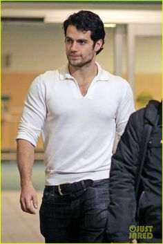 """Henry Cavill returned to Vancouver to filming in """"Superman: Man of Steel"""" after Hollywood """"Immortals"""" premiere (Nov. View the embedde. Henry Cavill, Film Man, Gentleman, Jeans Azul, Love Henry, My Superman, Man Of Steel, Christian Grey, Most Beautiful Man"""