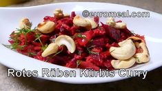 Rote Rüben Kürbis Curry - einfaches veganes Curry aus roter Beete in 30 ... Kung Pao Chicken, Beef, Ethnic Recipes, Food, Vegan Curry, Pumpkin Curry, Eating Well, Coconut Flakes, Turmeric