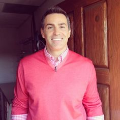 The handsome @kurt13warner from @TheMoment_USA ready for showtime! #realmenwearpink