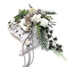 Bildergebnis für grabschmuck Grave Flowers, Funeral Flowers, Funeral Flower Arrangements, Floral Arrangements, Grave Decorations, Sympathy Flowers, Black Flowers, Arte Floral, Table Flowers