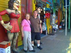 Mama y Alejandro en Caminito