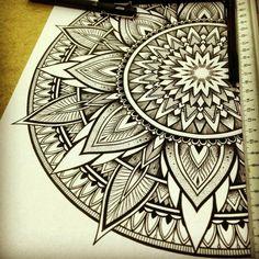 Mandala by Orge Kalodimas. Check http://vk.com/art_tendencies for more similar sketches.