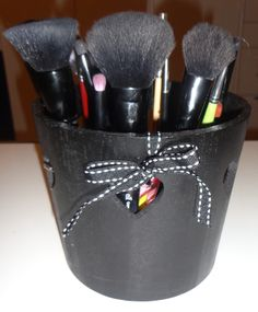 Face Make up Brush click here -> http://www.prettybeautyblog.com/2014/01/25/361/
