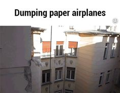 Dumping paper airplanes / iFunny :)