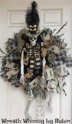 XL Halloween Skeleton Deco Mesh Wreath in Tan & Black Front Door Wreath Fall Wreath Victorian Skeleton Halloween Decor Rustic Skeleton by WreathWhimsybyRobin on Etsy by lorrie Fröhliches Halloween, Adornos Halloween, Halloween Deco Mesh, Holidays Halloween, Halloween Decorations, Halloween Wreaths, Halloween Displays, Vintage Halloween, Halloween Makeup