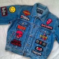 Patched Denim / Hand Reworked Vintage Jean Jacket with Patches / Patched Jean Jacket / Patchwork Jean Jacket Men Size L / Unisex Adult - Jeansjacke Outfit Jeans Patch, Denim Jacket Patches, Patched Jeans, Jean Jackets With Patches, Men's Jeans, Vintage Jeans, Jean Vintage, Upcycled Vintage, Patchwork Jeans