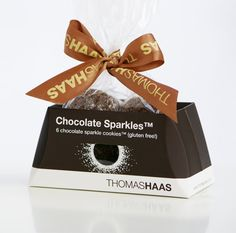 Package design of box and tray for Thomas Haas Chocolate Sparkle Cookies Dessert Packaging, Cookie Packaging, Box Packaging, Packaging Design, Cookie Display, Gift Card Boxes, I Love Chocolate, Cookie Favors, Chocolate Packaging