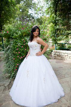 Fort Worth quinceanera portraits, white quinceanera dress, garden photos, quinceanera girl
